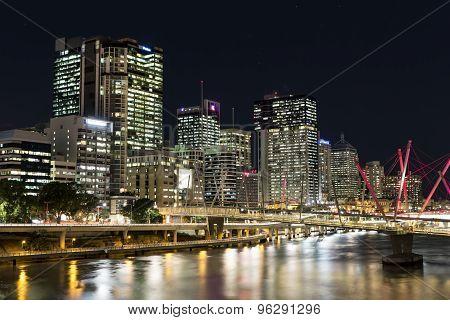 Brisbane Cityscape and Kurilpa Bridge at night