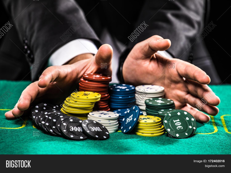 Пробное казино покер 4 онлайн бесплатно играть