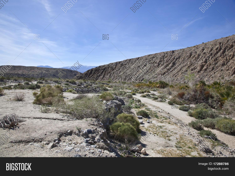 Imagen y foto falla de san andr s en el valle de bigstock - El colmao de san andres ...