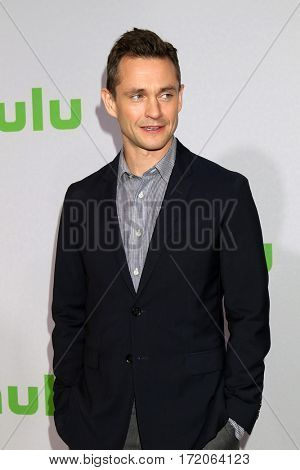 PASADENA - JAN 7:  Hugh Dancy at the HULU TCA Winter 2017 Photo Call at Langham Hotel on January 7, 2017 in Pasadena, CA