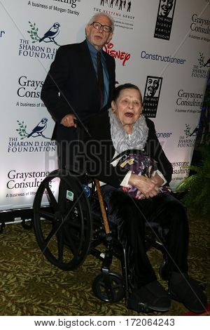 LOS ANGELES - NOV 1:  Bob Kurtz, Alice Davis at the The Walt Disney Family Museum 2nd Annual Fundraising Gala at Disney's Grand Californian Hotel & Spa on November 1, 2016 in Anaheim, CA