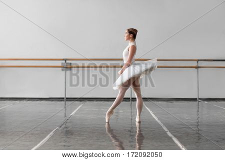 Grace ballerina keep the rack in ballet class