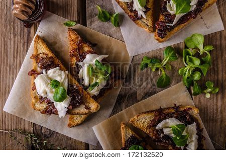 Rustic Toast With Caramelized Onion And Goat Cheese