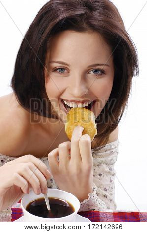The Girl Eat The Pie