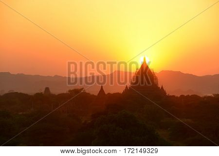 Sunset over the Temples of Bagan(Pagan), Mandalay, Myanmar