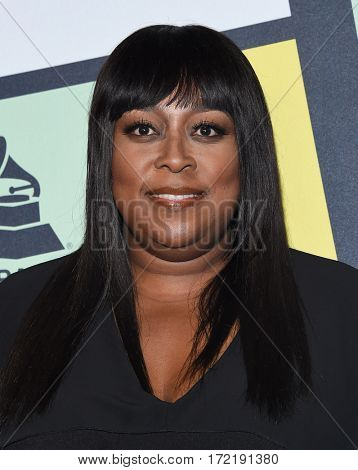 LOS ANGELES - FEB 09:  Loni Love arrives for the ESSENCE 8th Annual Black Women In Music on February 9, 2017 in Hollywood, CA
