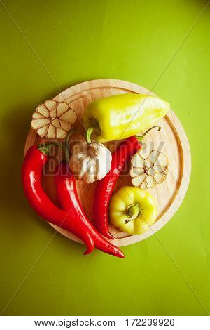 vegetables for flavouring: red peppers and garlic