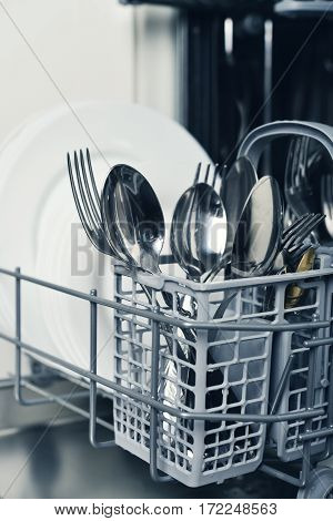 Clean Cutlery And Plates