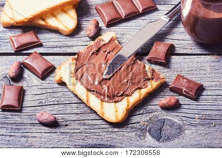 nut nougat cream sandwich with chocolate .