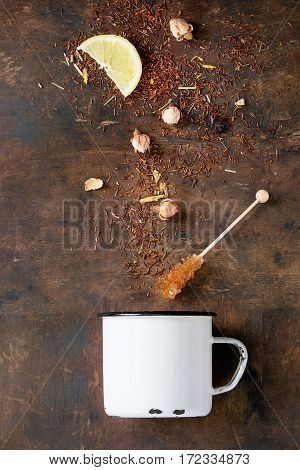 Rooibos Dry Tea Leaves With Rose Buds