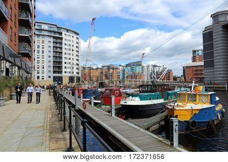 Leeds Houseboats