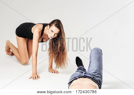 Pretty Girl Crawls To Male Body In Jeans