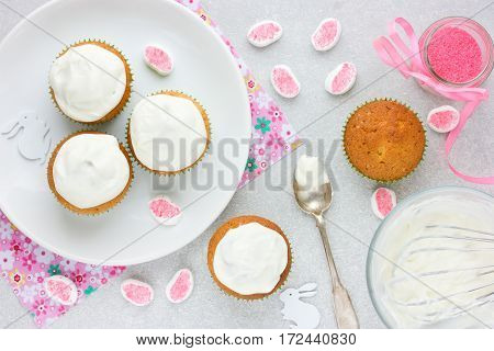 Cooking Easter bunny cupcakes decorating cupcakes whipped cream or cheese frosting