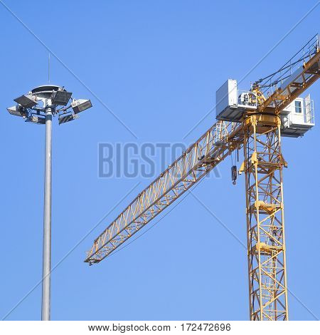 The image of a tower crane