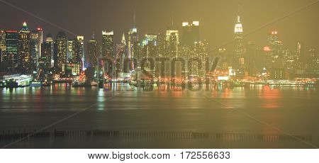 new york city midtown manhattan skyline cityscape panoramic at night