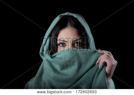 Portrait girl in the photostudio arabian style