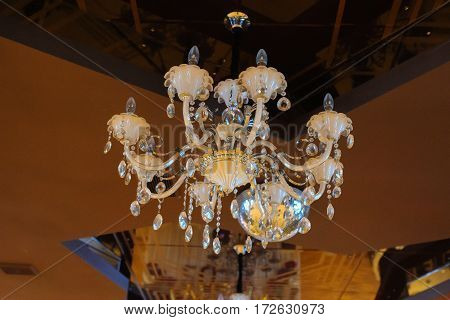 Chrystal Diamond Chandelier Lamp Close-up