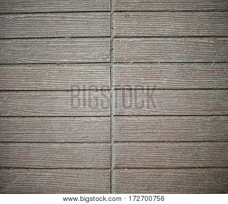 Walkway lined with blocks, Patterning of the floor