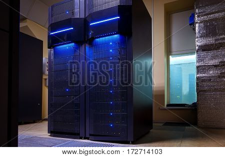 rackserver hardware of mainframes in the modern data center