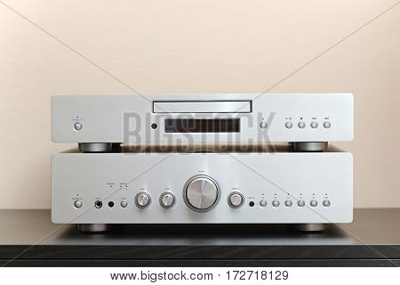 Hifi system with CD player and amplifier