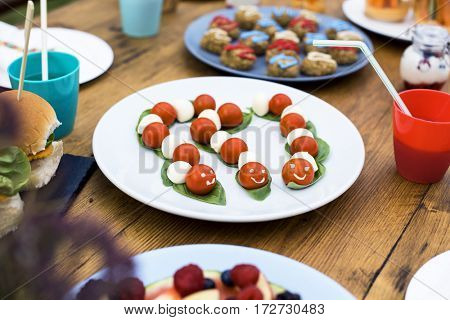 Preparation Table Setting Party Concept