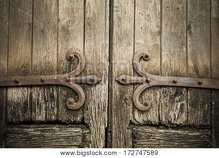 Highly detailed image of ancient wooden doors