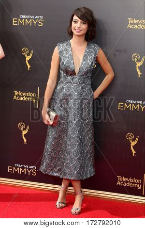 LOS ANGELES - SEP 10:  Kate Micucci at the 2016 Creative Arts Emmy Awards - Day 1 - Arrivals at the Microsoft Theater on September 10, 2016 in Los Angeles, CA