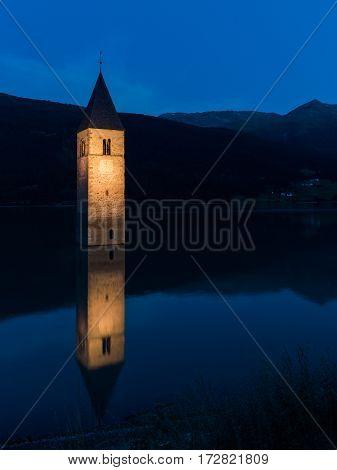 Lago di Resia (Curon Venosta) Trentino Alto Adige, Italia
