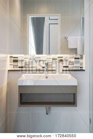 Modern Style Wash Basin With Mirror And Mosaic Back Splash