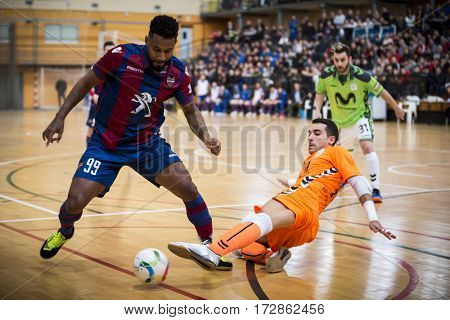VALENCIA, SPAIN - FEBRUARY 19: (L) Je and Alex Gonzalez during Spanish league match between Levante UD FS and Movistar Inter at Cabanyal Stadium on February 19, 2017 in Valencia, Spain