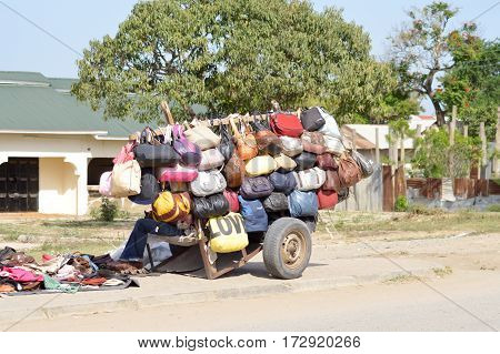 Trade of handbags on the road from Mombasa to Kenya