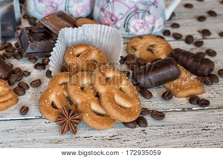 coffee break, kitchen, festive, sweet, cookies, gingerbread, tasty, homemade, breakfast, gift, delicious, dessert, winter, cosy, brown, comfort, coffee pot, table, wooden, sugar, background, closeup, coffee, milk pot, baked, milk, christmas, star anise, c