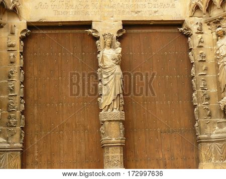 door, Cathedral gothic statues architecture middle age smile angels religion religion