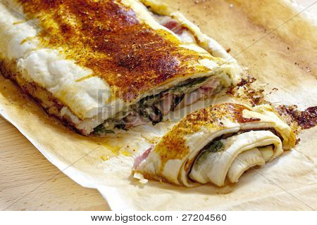 puff roly-poly filled with spinach and bacon
