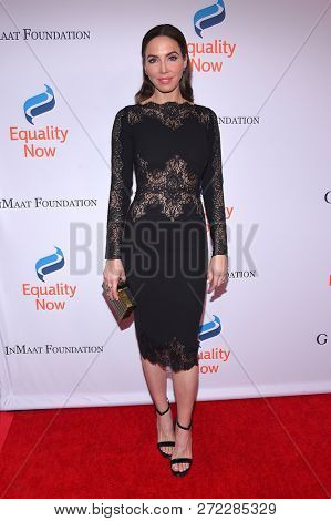 LOS ANGELES - DEC 03:  Whitney Cummings arrives to the 4th Annual 'Make Equality Reality' Gala  on December 3, 2018 in Hollywood, CA