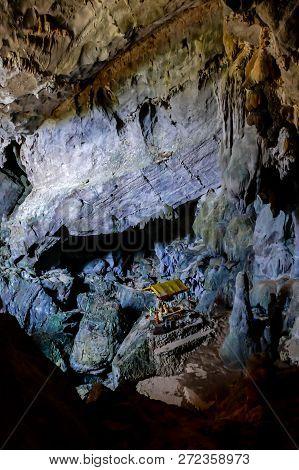 Cave In Barcelona Spain, Beautiful Photo Digital Picture, Beautiful Photo Digital Picture, Beautiful