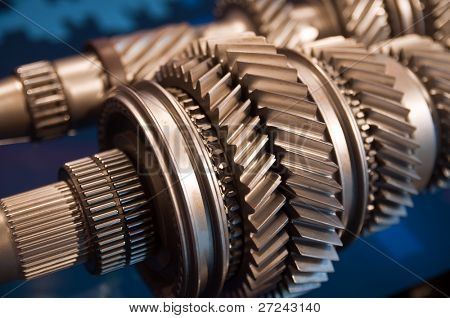 A Mainshaft and Countershaft of a transmission with gears meshing. Focus on the gears.
