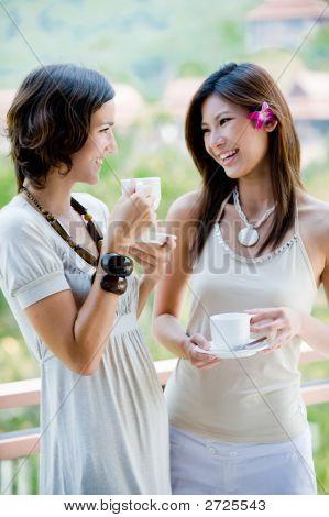 Vrienden drinken van koffie