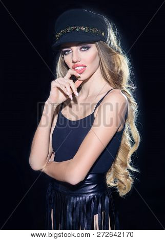 Sexy Girl With Pink Lips, Bright Makeup In Black Cap. Beauty Model. Fashion Accessories. Fashion Mod