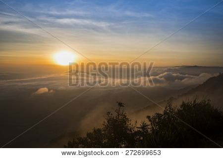 Foggy Landscape Dramatic/ The Morning Beautiful Sunrise Mist Cover Mountain Background - Forest Hill