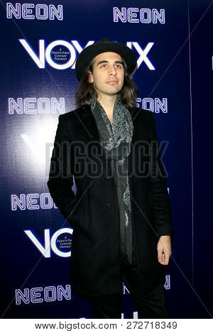 LOS ANGELES - DEC 5:  Nick Simmons at the