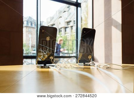 Strasbourg, France - Sep 21, 2018: Apple Iphone Xs And Xs Max In Apple Store During Product Launch -