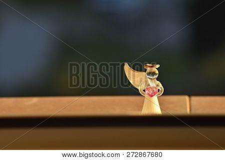 Small Figurine Of Little Angel Whit Broken Wings