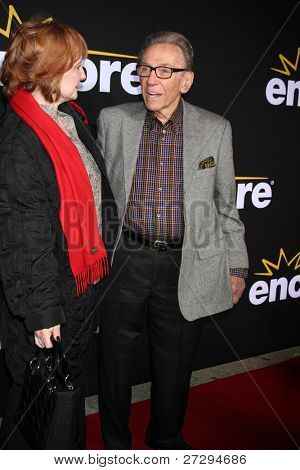LOS ANGELES - DEC 7:  Norm Crosby arrives at the Premiere Of Encore's
