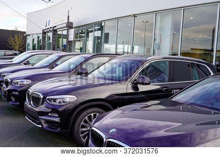 Bordeaux , Aquitaine / France - 02 01 2020 : Bmw Car Second-hand Parked Outside Used Car For Sale De