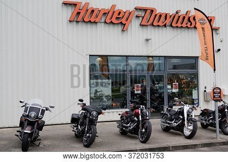 Bordeaux , Aquitaine / France - 01 20 2020 : Store Harley Davidson Logo Sign Shop Retailer Facade Mo