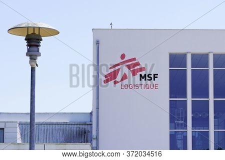 Bordeaux , Aquitaine / France - 06 14 2020 : Msf Logistique Logo Sign For Medecins Sans Frontieres F