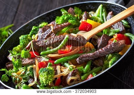 Mexican Beef Fajita Strips With Roasted Vegetables: Yellow And Red Sweet Peppers, Parsley, Onion, Gr