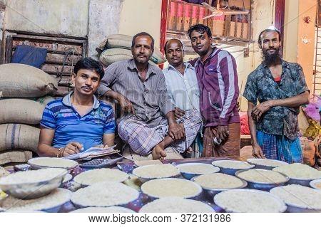 Khulna, Bangladesh - November 12, 2016: Local Sellers At A Market In Khulna, Bangladesh