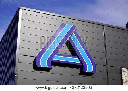 Bordeaux , Aquitaine / France - 11 07 2019 : Aldi Market Sign Store Superstore Shop Logo Discount Su